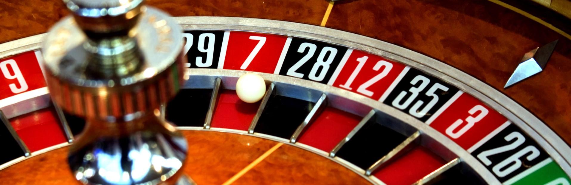 trader dan investor saham atau gambler saham